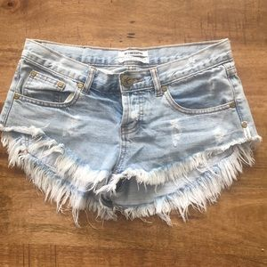 One teaspoon denim shorts. Size 25